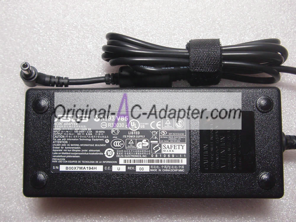 FSP 19V 6.32A 5.5mm x 2.5mm Power AC Adapter